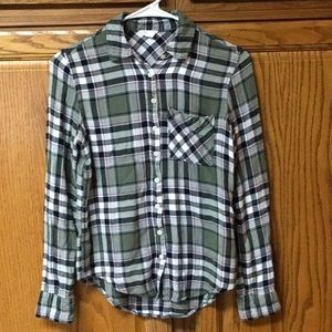 soft button down flannel type shirt